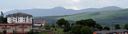 800px-Parque_eólico_desde_Tineo